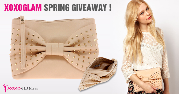 XOXOGLAM Fashion Blog Giveaway. Win the New Look Glam Clutch