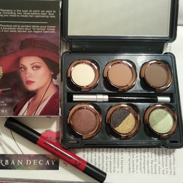 Urban Decay Theodora Makeup Palette Giveaway (ends 5/12)