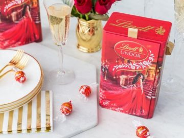 Win a Lindt Chocolate 2018 Awards Show Gift Box