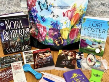 Lori Foster Author Prize Pack Giveaway (Facebook)