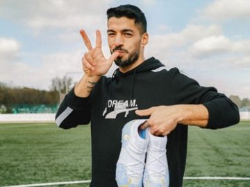 Soccer.com PUMA Suarez Signed Cleats Giveaway