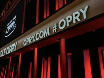 Opry 5000 VIP Music City Giveaway